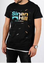 "T-shirt Sinan Hill ""Different"" bleu blanc et orange"
